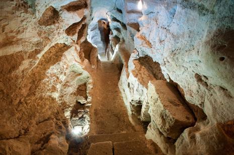san-faustino-catacomba-massa-martana